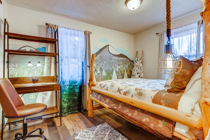 First Floor- Pinecone Bedroom FULL BED w/Plush Pillowtop Mattress on the rustic bed and convenient work station