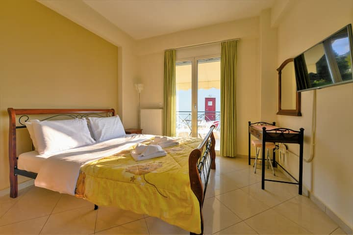 SEMIRAMIS SUITES Studio with Seaview