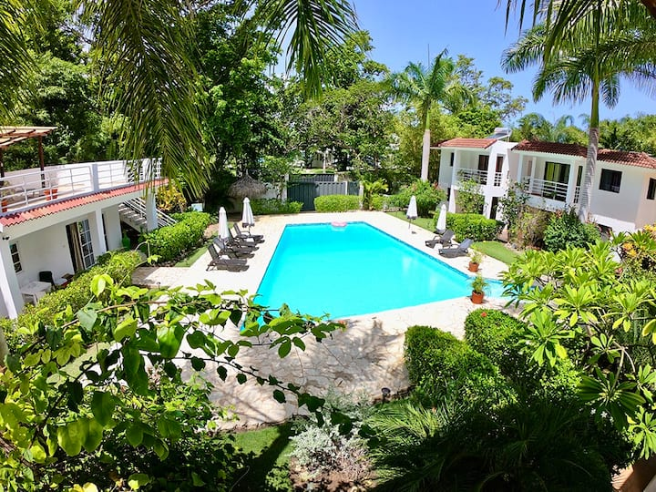 One Bedroom Suite & Breakfast at the Hotel Coral Blanco