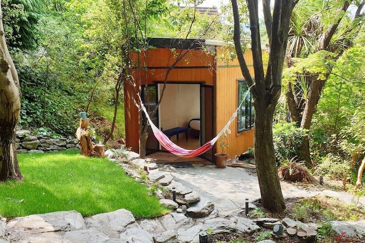 Ora° Retreat - The Tui Tiny House