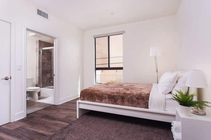 Master bedroom on Westside btw SantaMonica/Venice