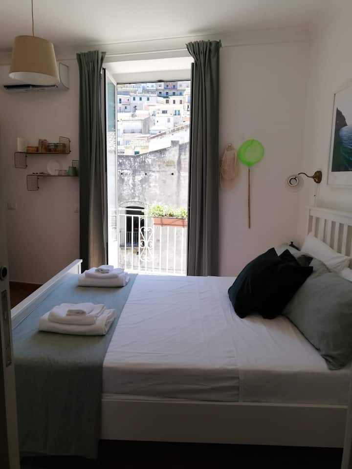 Pizzo Central House - Star Room