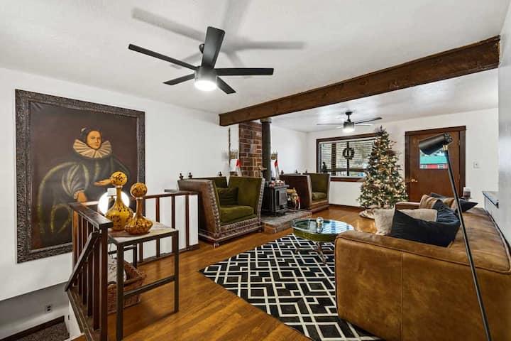 Large 3bd Apartment: The Prospector Motel: Unit 2