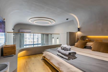 《王叔的莫比乌斯水泥房》CBD珠江新城,靠近美领馆 广交会 广州塔 Loft复式公寓双床房
