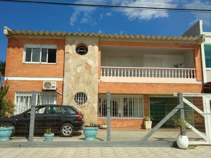 Casa de 2 dormitórios para até 5 pessoas (S)