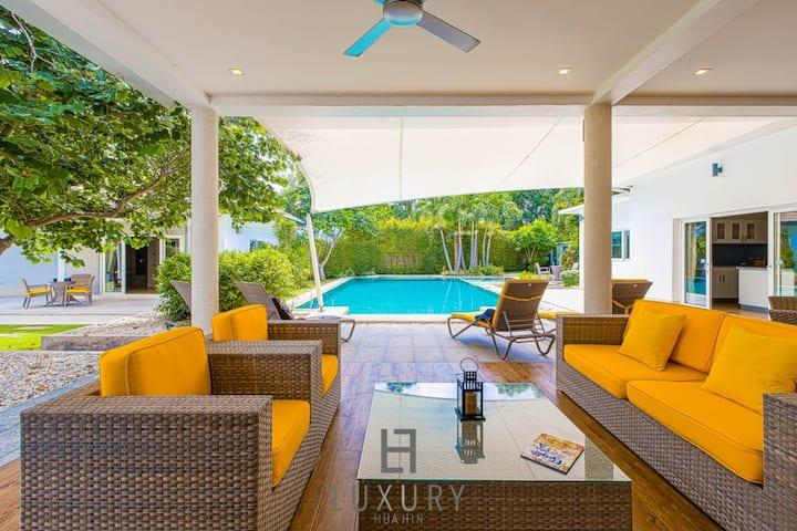 Luxury 5 Bedroom Private Pool Villa!