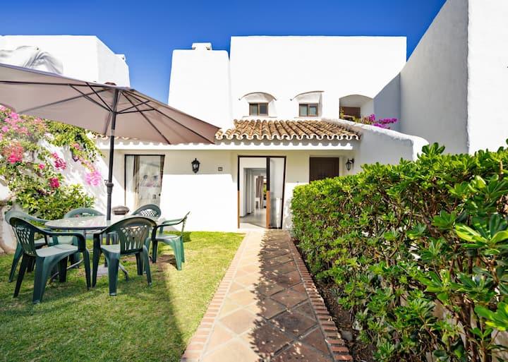 Estepona Villacana Bonito apartamento junto al mar