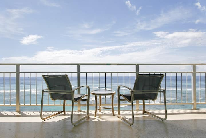 Panoramic Oceanfront, 1 King or 2 Twin Beds