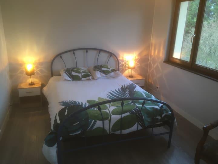 Chambre avec étage privatisé en bord de mer