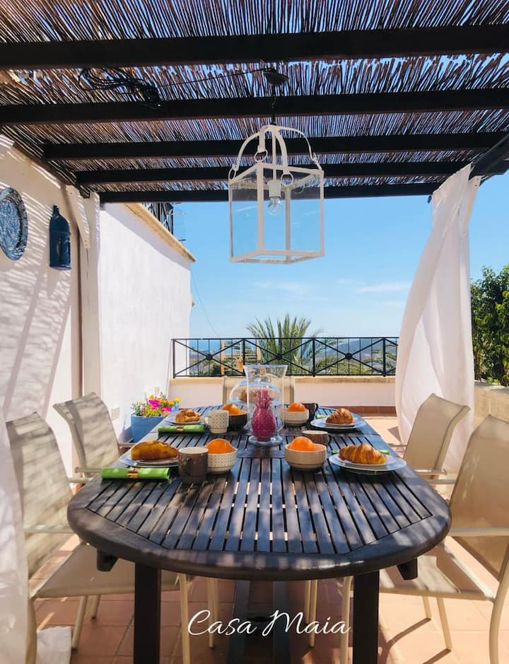 Casa Maia - safe holidays in Benidorm, swim pools