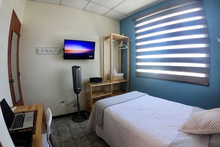 Linda habitación con baño privado - Hab. Gecko