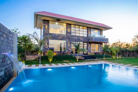 THE VILLETTA (luxury pool villa)
