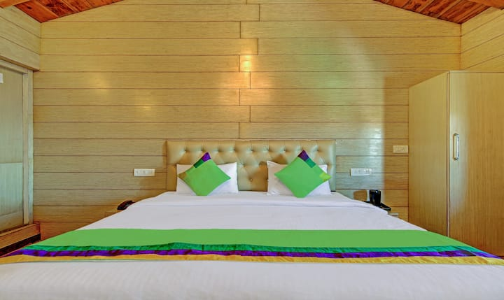 Cozy Rooms  for Couples @ Monal Inn, Pangot
