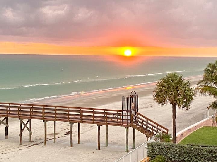 Delightful Beachfront Condo Retreat