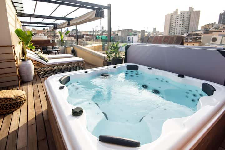 Beautiful new apartment with rooftop jacuzzi