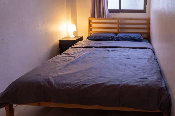 Room 2 / 睡房 2