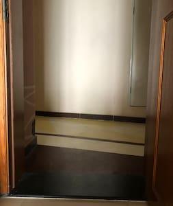 公寓入口,没有台阶