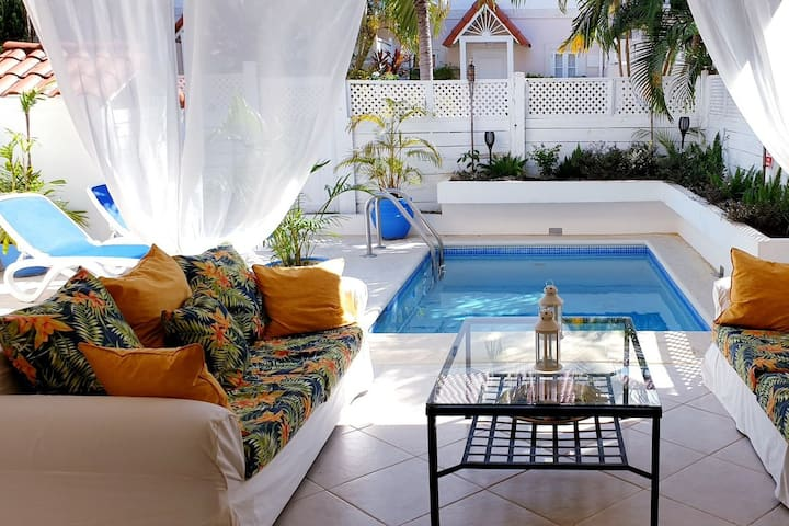 Approved romantic villa with plunge pool St.James