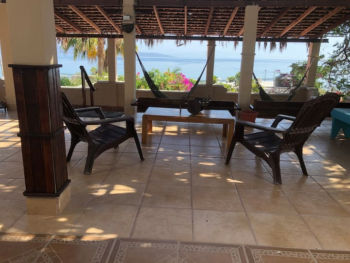 Casa Danna (Beautiful sea view, Secure Parking)