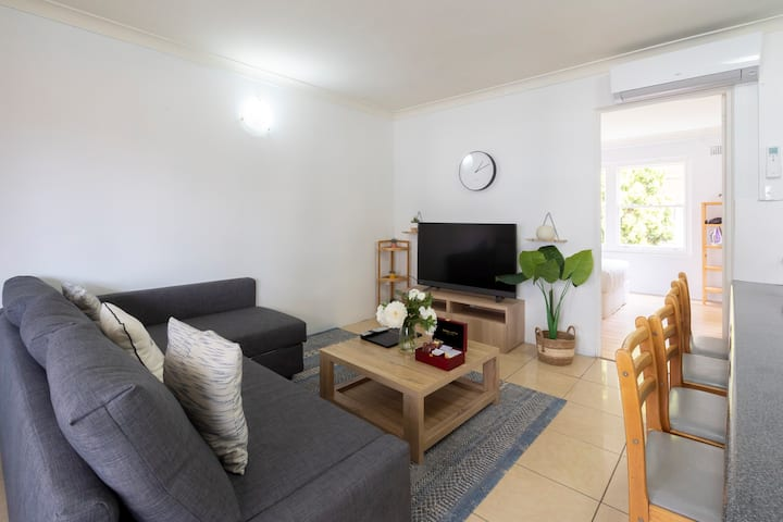 ★Airy & Bright Apartment★ Stroll to Manly Beach