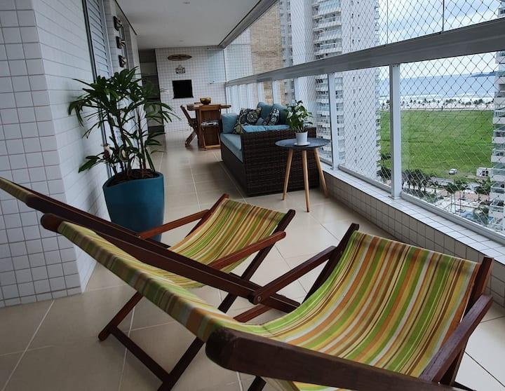 Relaxe na praia da Enseada Guarujá