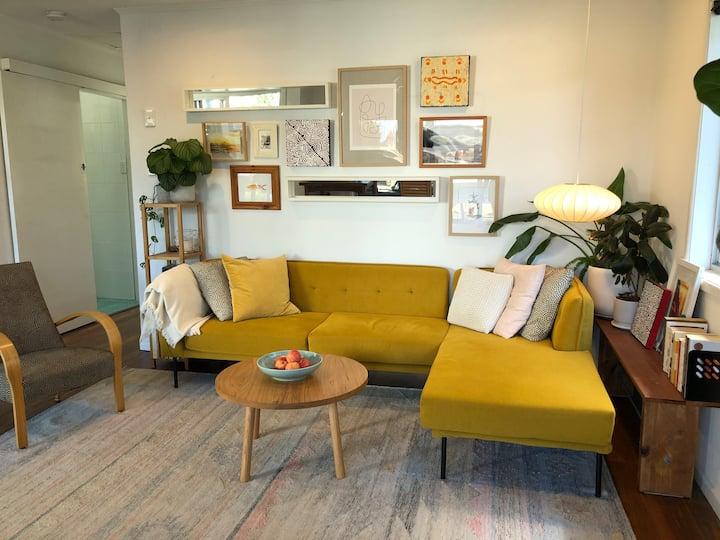 Paraiso Palm Beach: 1 bedroom beachside unit