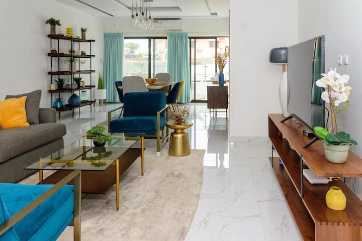 Casa KAMA  @ 2 Plateaux Polyclinique,  Modern Flat