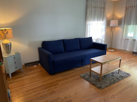West Allis Palace- Pet-friendly & No Cleaning Fee!