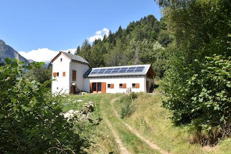 A mountain hermitage for nature lovers