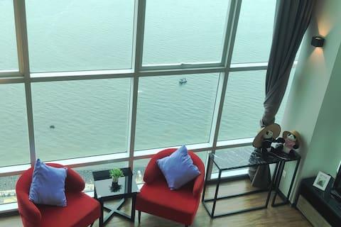 Sunrise Seaview Maritime Suite 劲爆日出海景套房 Lv18