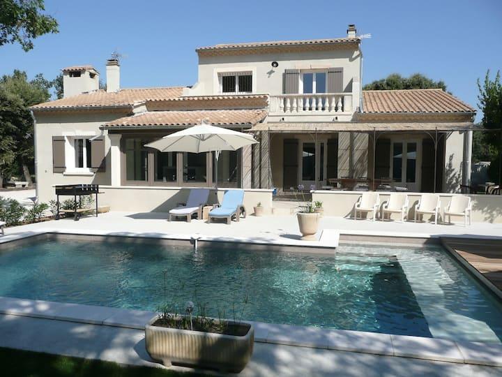 Villa spacieuse au pied du Mont Ventoux  Provence