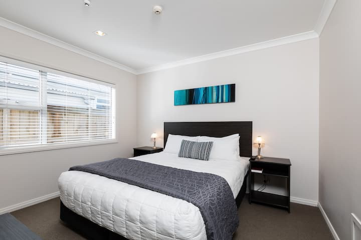 Superior One Bedroom Apartment · New Plymouth