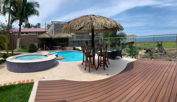 Ocean Front, Heated Pool, Playa Bonita 3 Bedroom