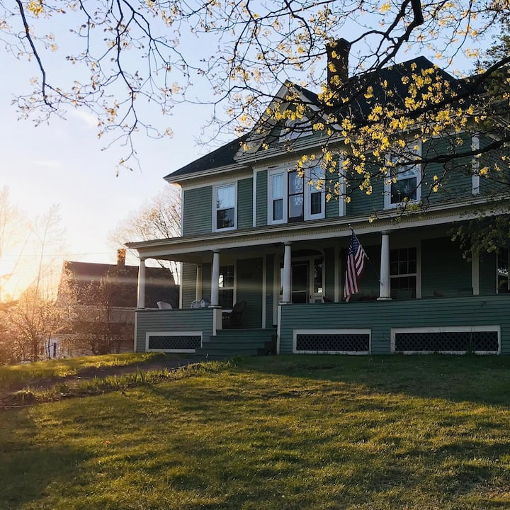 The Shirlie House - B&B - AT Room