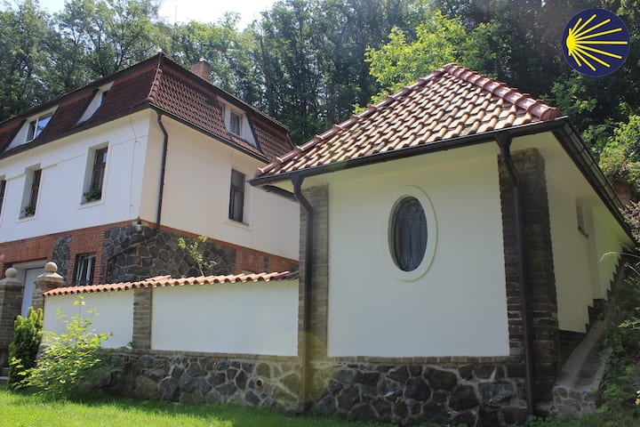 Domek Praha - Zbraslav, u zámku