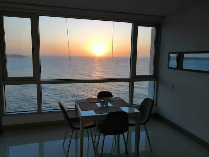 Palmetto Sunset Cartagena apartment with sea view