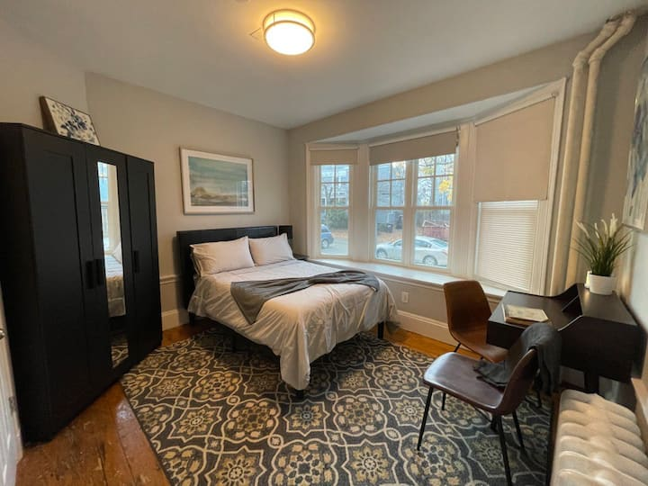Studio, Fully Furnished in Harvard Square
