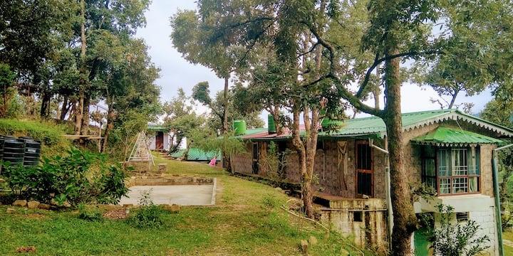 Magpie Mountain village