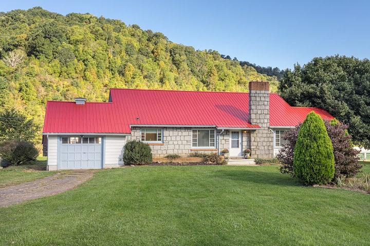 Belle Vale Lodge - Jewel in the Blue Ridge