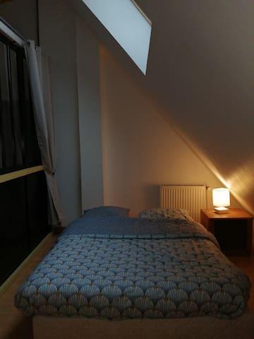 chambre 3  avec lit 140