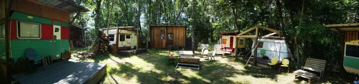 Le village des artistes + Grange bohème