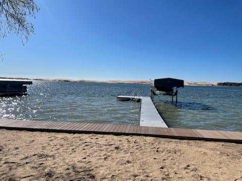 Waterfront Silver Lake Cottage (Diddlysquat)