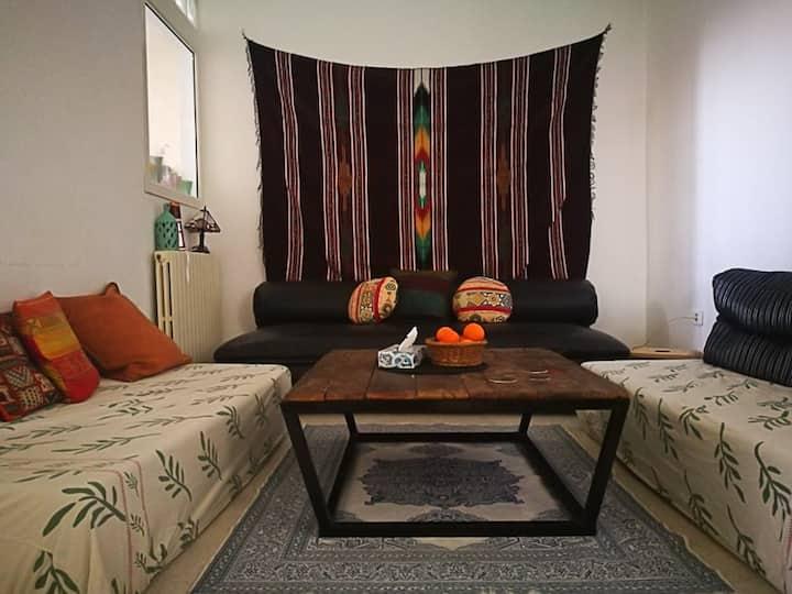 Chambre privée dans un appartement d'artistes
