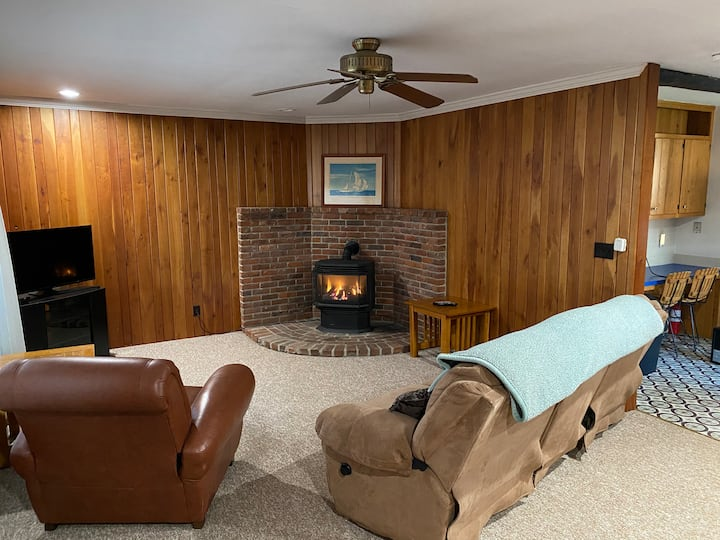 Cozy Rural  Apartment near Elk Mountian Ski Resort