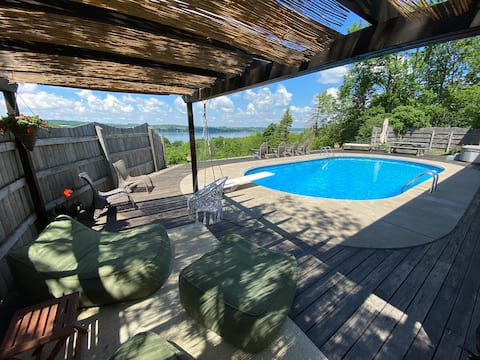 The Bluff • 8 min to Village • Heated Pool • Oasis