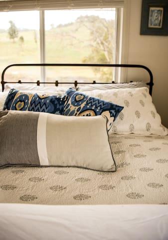 Bedroom #2 - 1 x double bed