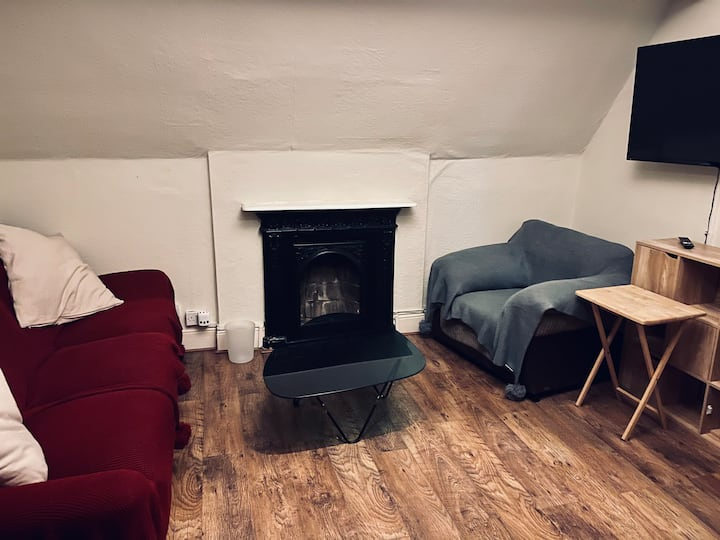 10 mins to B-ham city. Private lovely apartment.