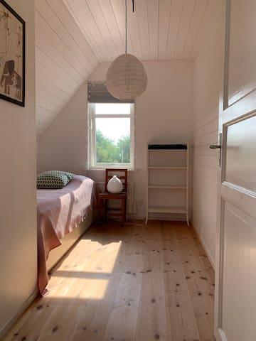 Bedroom 3, single bed, upstairs