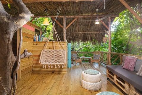 Romantic treehouse 'Yuana'