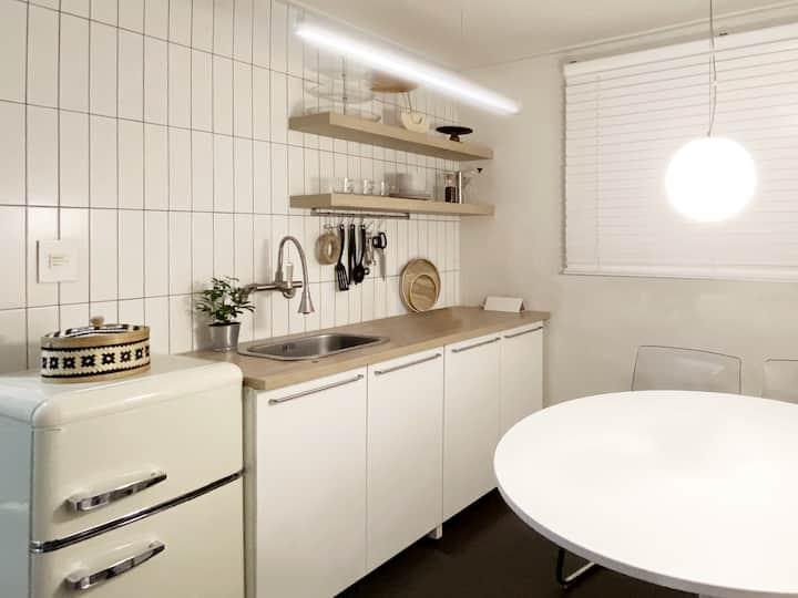 [Best]인테리어가 예쁜 도시숙소. 도심힐링,종로위치, 2룸